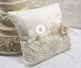 Christening Witness Pins Pillow Giannopoulos G13-2068
